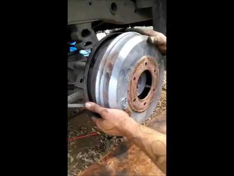 How to replace rear brake shoes on a 2000 Isuzu Rodeo