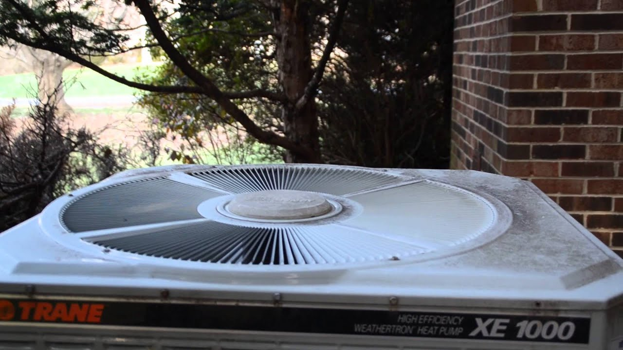 2001 Trane Xe1000 Heat Pump One Last Defrost Steam Show Vid Before Replacement