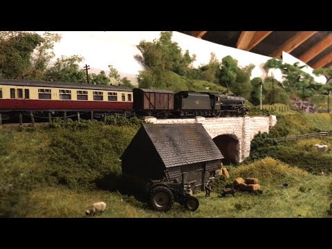 Black Fives and WDs – Yorkshire Dales Model Railway – OO Gauge Loft Layout