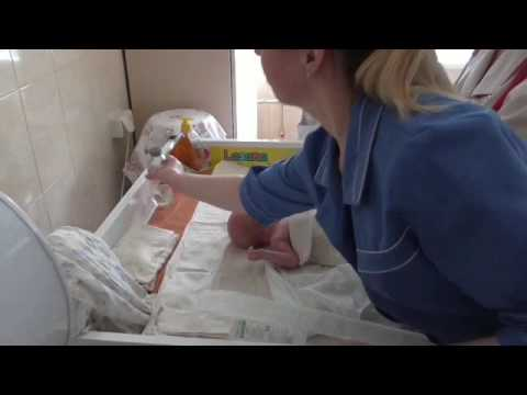 Постановка желудочного зонда новорожденным и грудным детям