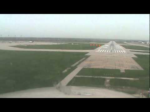 Landing at Des Moines, Iowa Airport Runway 31