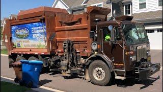 Randy's Peterbilt McNeilus Autoreach Garbage Truck