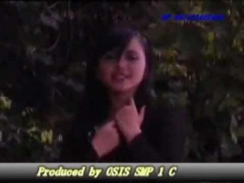 Download Dangdut Rini Gedung Tua - Rini - SMP 1 Cilawu by Uus Darusman.mpg