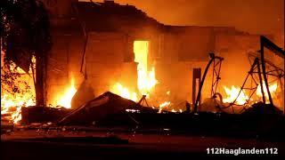 Zeer Grote Brand vewoest keukenwinkel in Sint Maartensdijk