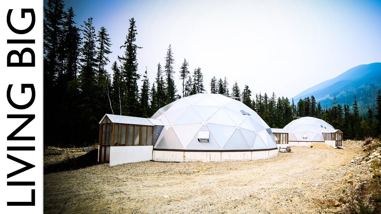 Tiny Home Designs: Off-Grid Tiny House Paradise With Geodesic Dome Greenhouse