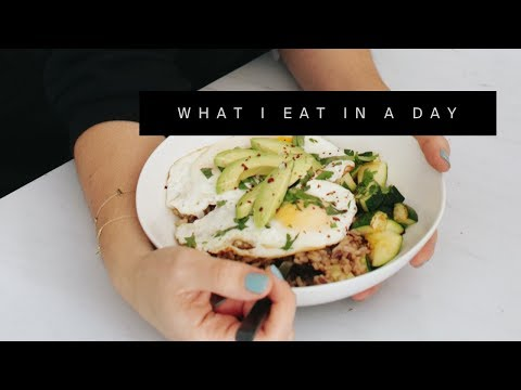 WHAT I EAT IN A DAY   Healthy Eating Hacks For Busy Days 🍽