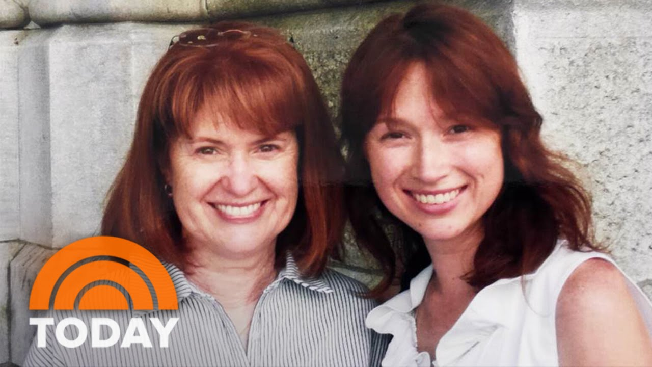 Ellie Kemper Gets Surprise Call From Her Hilarious Mom Today
