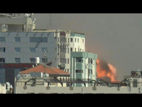 Israel strikes Gaza building hosting Associated Press, Al-Jazeera: AFP   AFP