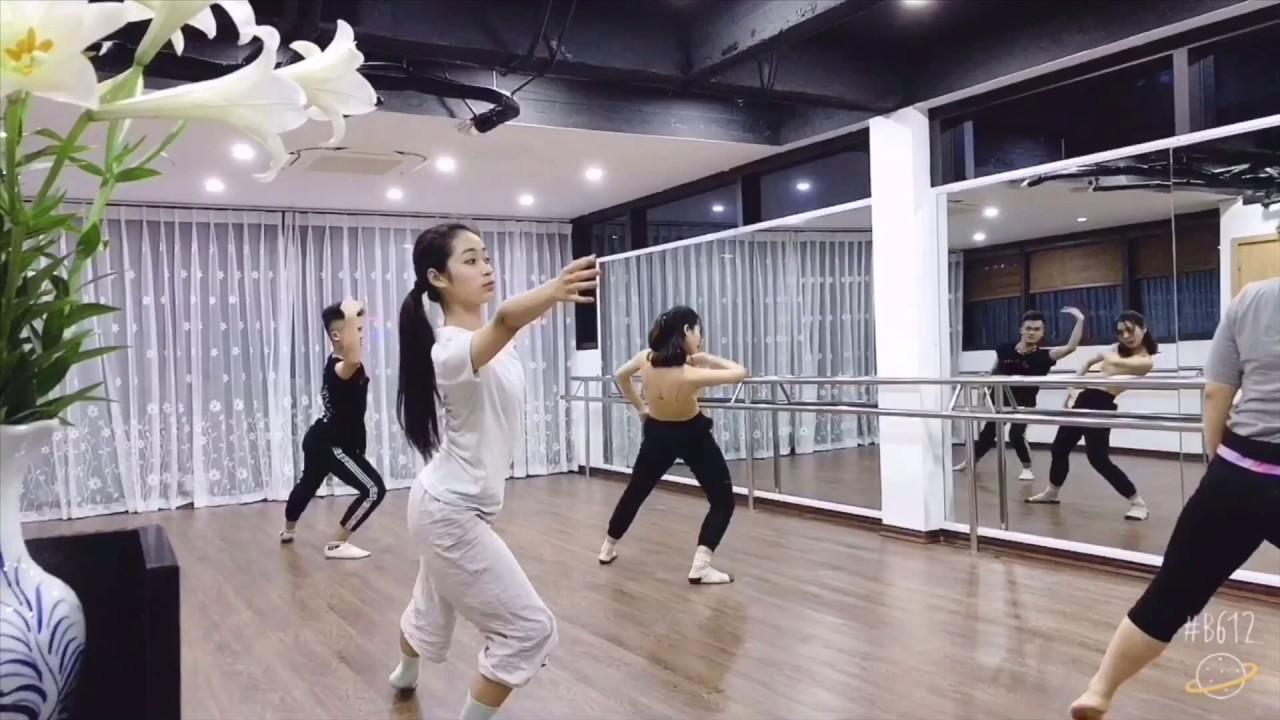 Múa đương đại – Những động tác cơ bản 2