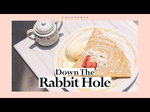 Down The Rabbit Hole: Conoce la cafetería & crepería de 'Alicia en el País de las Maravillas'