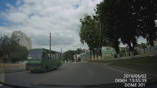 Автобус AX0580AA, проезд на красный свет, Харьков 02.06.2016(, 2016-06-16T19:25:53.000Z)