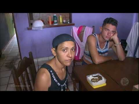 Venezuelanos improvisam para conseguir dinheiro em território brasileiro