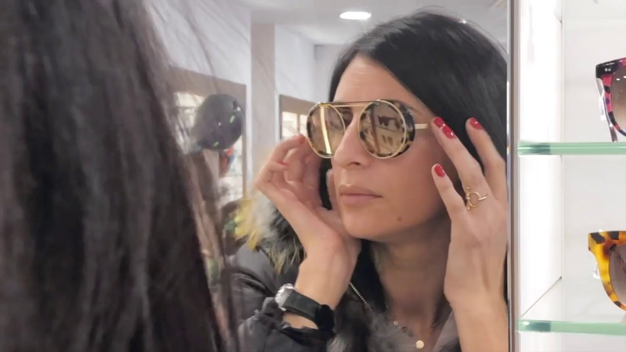 La Petite Lunette Rouge x Archimbaud Opticien - YouTube 0fb16b18bd40