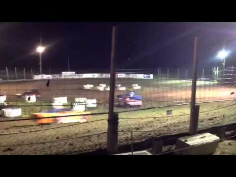Fig 8 in Brooklyn Raceway @ 7:15pm Sept 20, 2013 Open Main