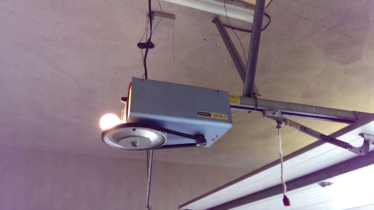 Stanley Astro 3 Garage Door Opener Last Run Youtube