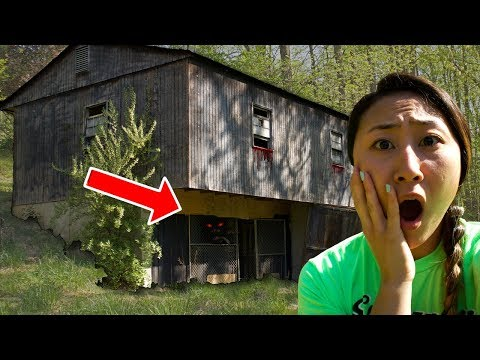 EXPLORING HAUNTED ABANDONED HOUSE!! HAUNTED FOREST 😱
