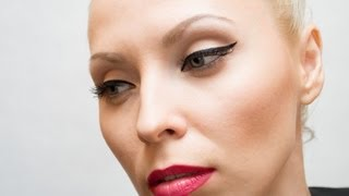 КЛАССИЧЕСКИЙ МАКИЯЖ  черные стрелки и красная помада !!!(Создаем красивый классический макияж черные стрелки и красные губы! Мой канал: http://www.youtube.com/user/Grinchirina Я в..., 2013-05-12T20:28:53.000Z)