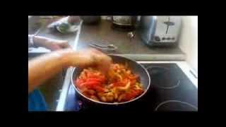 Easy Chicken Fajita Wrap With Salsa & Sour Cream