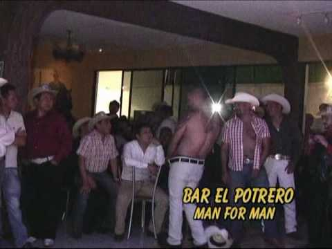 EL CAZADOR BAR GAY