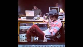 Wiz Khalifa feat. Pharrell - Rise Above (O.N.I.F.C)