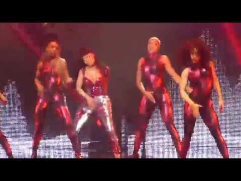 Nicki Minaj Trini Dem Girls The PinkPrint Tour 25 Mars 2015