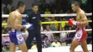 Thailand's #1 ranked 140lbs Muay Thai fighter Noppadet Chengsimiw - part 1/3