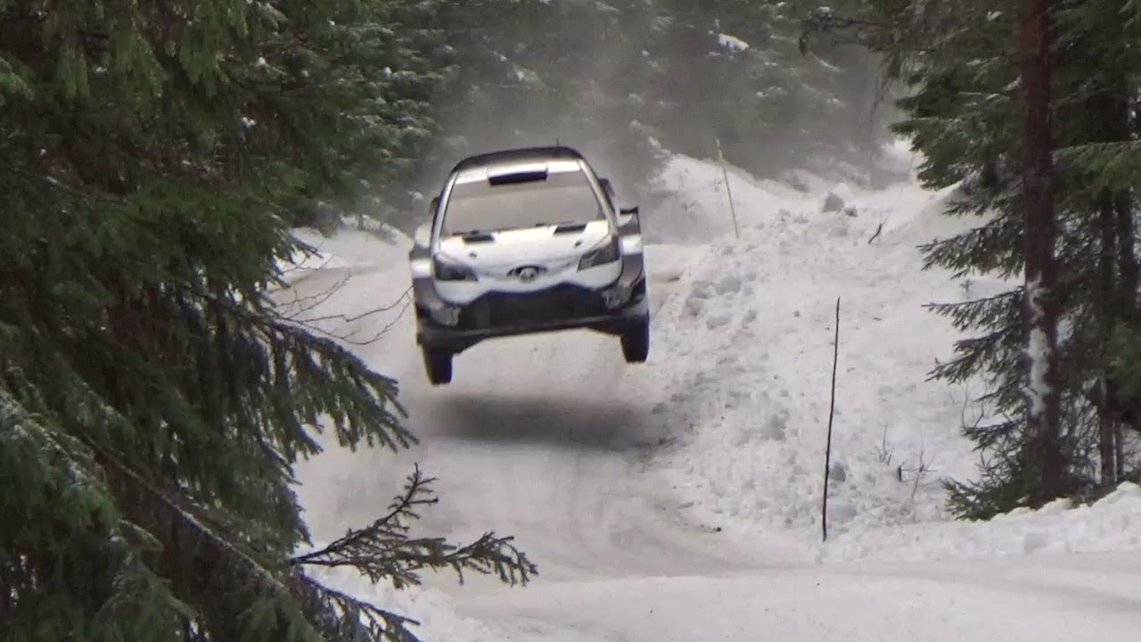 ott t nak on the snow with toyota yaris wrc youtube. Black Bedroom Furniture Sets. Home Design Ideas