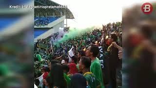 Suporter Nyalakan Smoke Bomb, Laga Sriwijaya FC Vs Bhayangkara FC Dihentikan Sementara