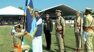 ગૌરવંતી બની ગુજરાત પોલીસ, ઉપરાષ્ટ્રપતિના હસ્તે મળ્યું 'પ્રેસિડેન્ટ્સ કલર્સ' સન્માન | VTV Gujarati