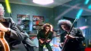 Queen - 'The Invisible Man [HQ]