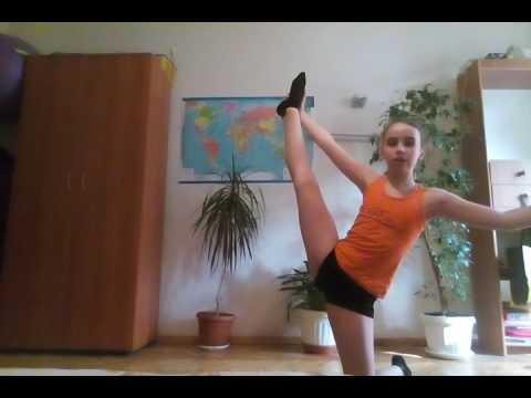 Гимнастика/Как сесть на шпагат?