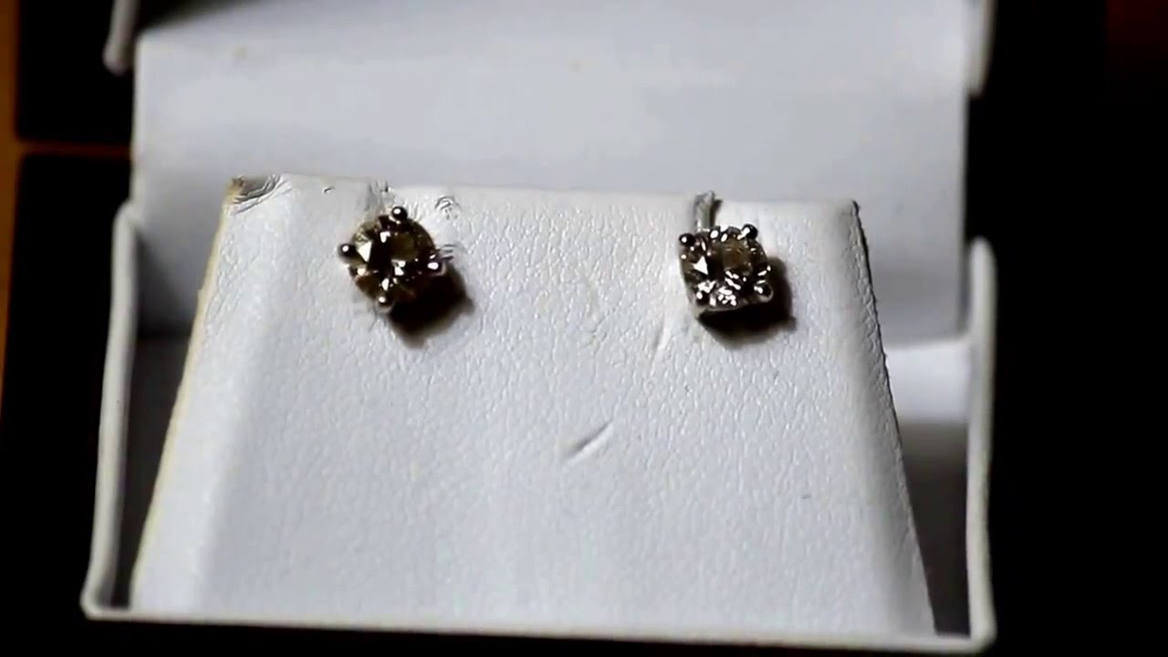 Blue Nile diamond stud earrings. - YouTube