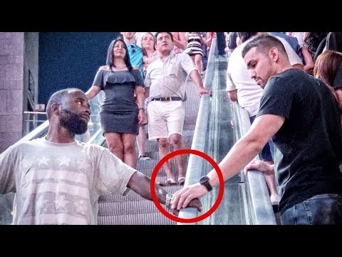 Touching Strangers Hands On Escalator In Las Vegas!