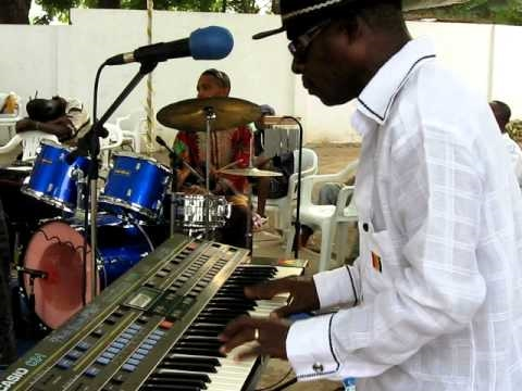 Ebo Taylor plays at event