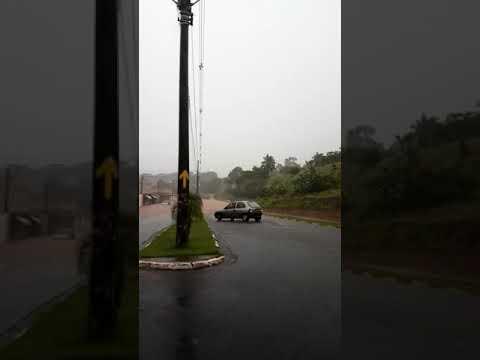 Chuva deixa vizinha São Simão 'embaixo' d´água