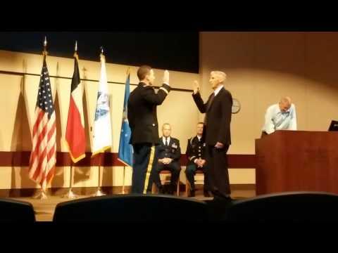 Hunter Davidson army commissioning ceremony