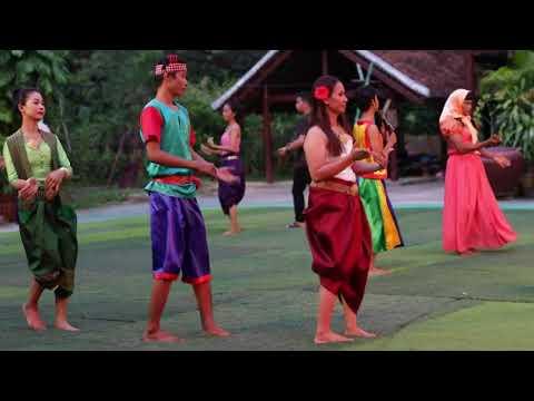 Khmer traditional dancing រាំរបាំខ្មែរ