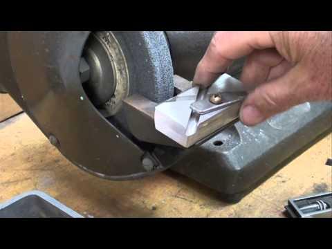 MACHINE SHOP TIPS #98 Grinding a Lathe Threading Tool tubalcain