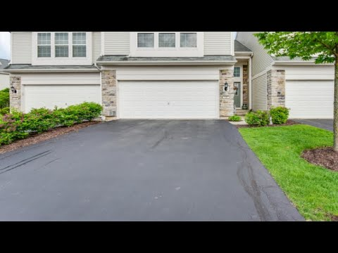 130 DEVOE Drive, OSWEGO, IL Presented by Walsh Realty Group.