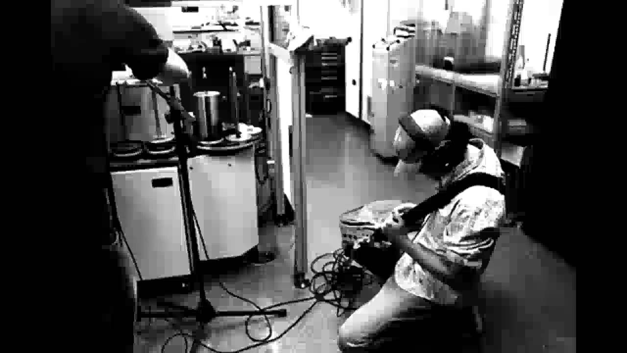 Amon Tobin - Live at Donaufestival Krems 04-27-2008 - YouTube