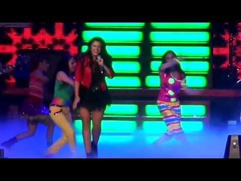 Isabella Castillo - Esta Cancion {Presentación} (KCA MEXICO) |31-08-13|