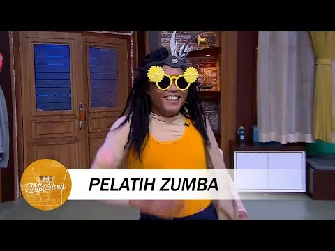 Download Youtube: Satu Studio Ngakak Lihat Aksi Pelatih Zumba