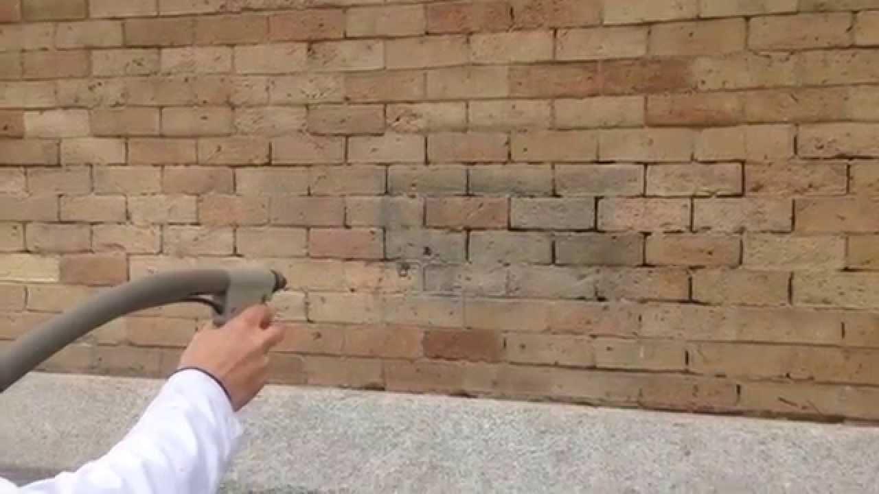 Eliminacion de graffitis en ladrillo de visto la casa de - Casas de ladrillo visto ...