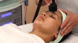 Ultraschall-Ultraschnell-Ultraschön... Ultraschallbehandlung für das Gesicht