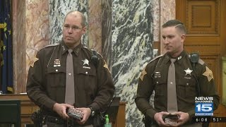 2 Sheriff's Deputies honored for heroic action