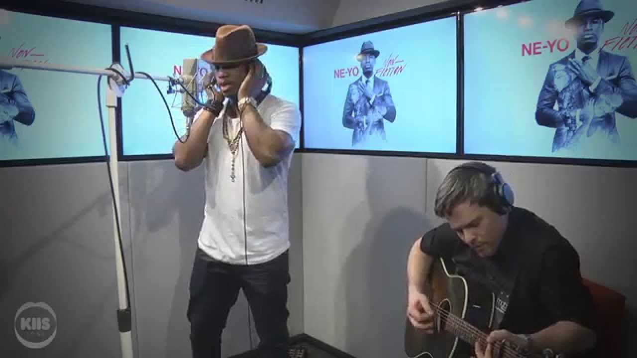 "Ne-Yo Performs ""So Sick"" Acoustic"