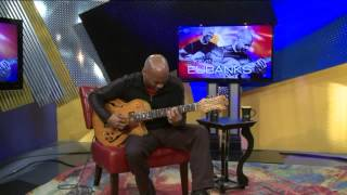 Kevin Eubanks Performs for the studio audience
