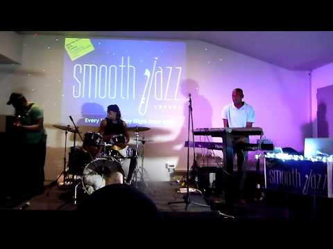 Carisoul Vibes Band - London's Smooth Jazz Lounge