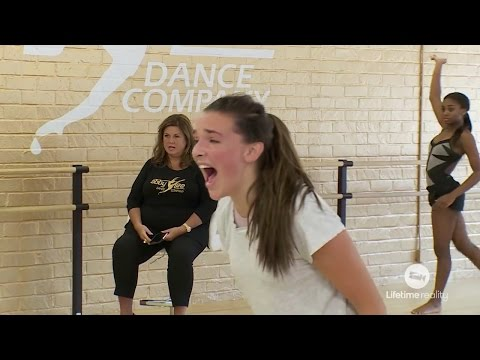 Dance Moms - Kendall has to SCREAM in her solo (Season 7 Episode 3)