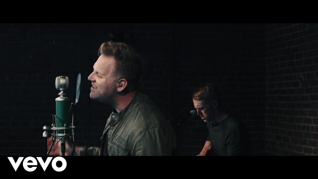 Matthew West - Broken Things (Acoustic)